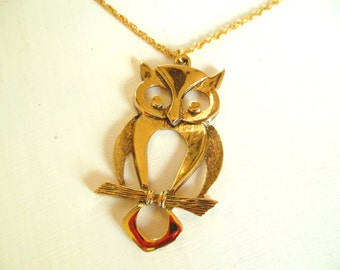 "Vintage Owl Necklace Large Pendant Chain Gold 26"" 60's (item 12)"