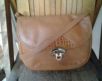 CUTE   ///   Leather Crossbody Satchel