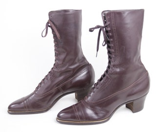 Vintage Cordovan Brown Lace Up Leather Victorian Boots by Queen Quality circa 1900.  Size 6.  Museum Quality