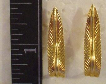 Vintage14kt GOLD leaf earrings