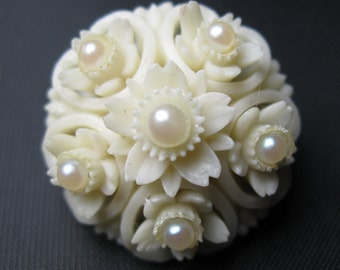 Celluloid Brooch - Vintage Brooch - Cream with Pearls -  Plastic Brooch