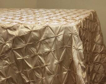 """Champagne Pinchwheel Tablecloth 90"""" x 156"""""""