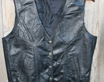 1980s Black Leather Biker Vest With Buttons That Have Stars Size M