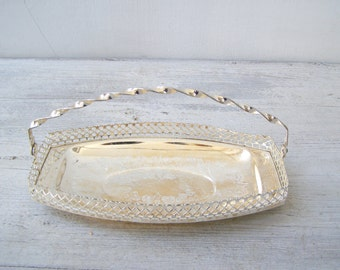 Mid Century Silver plated Handled Oval Etched Candy Bowl, Serving Filigree fluted Dish, Newlywed Wedding Silverware Gift, Table Centerpiece