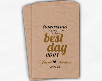 Best Day Ever Wedding Candy Buffet Treat Bags - Gold Personalized Rehearsal Favor Bags with Names and Date - Custom Kraft Paper Bags (0102)