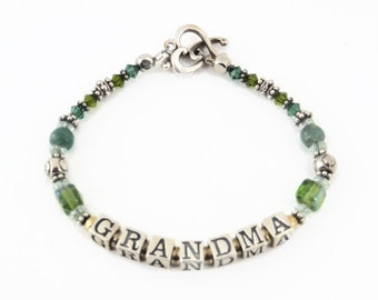 Personalized Mommy or Grandma Bracelet - Birthstone/Silver - Kid Names
