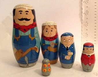 Matryoshka Dolls - vintage Russian Nesting Dolls - Home Decor - collectible - Babushka doll