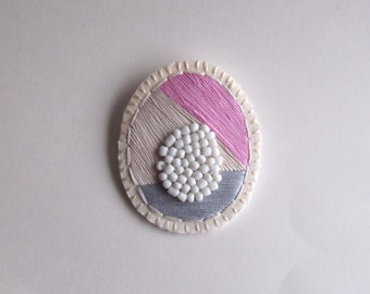 Pastel geometric brooch embroidered light gray white and light pink thread with white beads Spring fashion