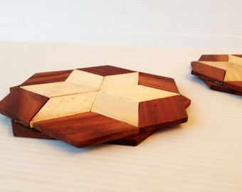 wooden star coasters, a pair of  wooden trivet, rustic  table ware, wooden table top decoration, kitchen decor, rustic decor,