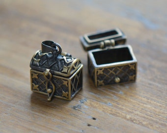 1 - Treasure Chest Hinged Locket Bronze Vintage Style Chests Pendant Charm Jewelry Supplies (BB089)