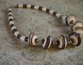 Wooden disc necklace modern natural