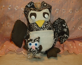 Little Mama Owl  with tiny Baby Owl, Stuffed Mama and Baby Owls, Collector Owls, Stuffed Owls
