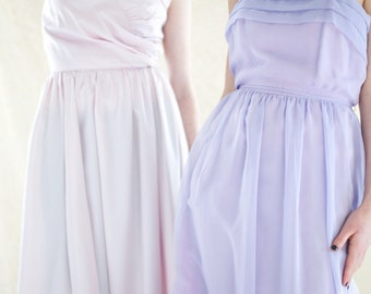 Vintage Chiffon Gown. MED - 38 inch Bust.  // Lavender, Purple Dress.  // Bridesmaid. Prom. Purple Chiffon. Satin. pastel dress.