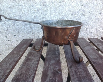 Vintage antique copper pot with fots and metall handle