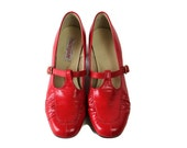 Ruby Slippers / Shoes / Andiamo / Mod / Red / 1970s / Size 8 1/2