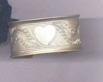 Vintage1970s Bracelet with Heart and Feathers  Item:5548