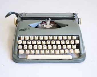 Mid Century Cole Steel 1950's Green Industrial Space Age Metal Portable Tabletop Manual Typewriter