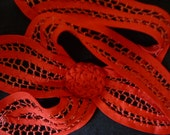 Fabulous vintage 1940s vibrant red tape lace collar hand made great bow design