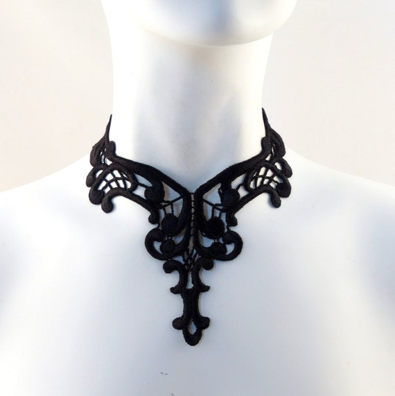 Gothic Choker Black Victorian Lace Necklace for Women - A Dark Venetian Beauty Perfect for Goth, Renaissance, Medieval and Edwardian styles