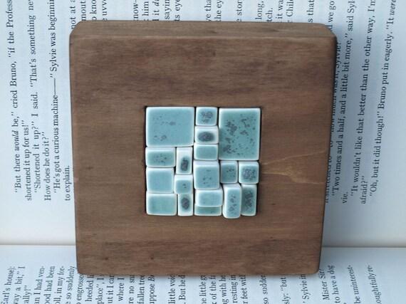 Mosaico de porcelana y madera verde turquesa