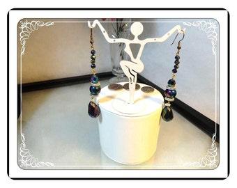 Iridescent Pierced Earrings - Electriying Colored Iridescent Pierced Earrings E3481a-120413000