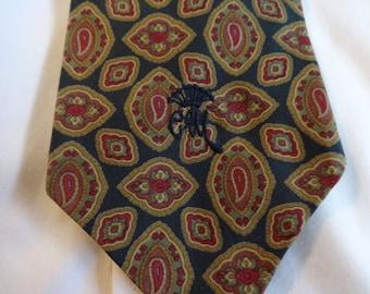 Countess Mara  All Silk Necktie Excellent Vintage Condition Made in U.S.A.