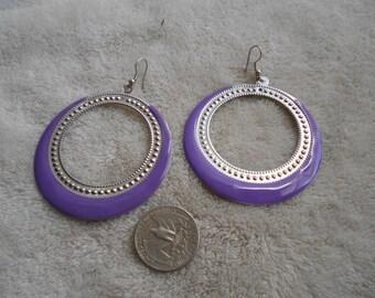 Vtg RETRO Pierced Earrings-Purple Enamel Hoops- R3793