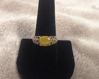 Vintage 925 Sterling Silver Ring with Brown Gemstones