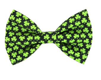 Shamrock Dog Bow Tie/ St. Patrick's Day Dog BowTie: Mini Shamrock