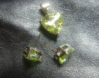 Light Green Heart Post Earrings & Pendant Set in Sterling Silver 987.