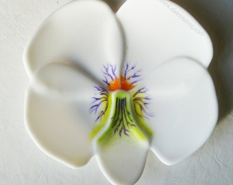 Art Glass Violet Flower Plate