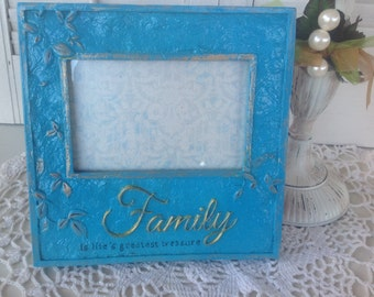 FAMILY is Life's Greatest TREASURE Picture Frame / 4 x 6 / Table Top or Hanging Picture Frame