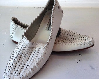 vintage. LOAFERS. shoes. LEATHER. woven. WHITE. 1980s. Size 8.