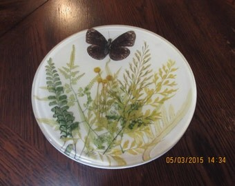Pretty Vintage Resin Hot Plate