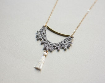 Tassel necklace lace gray and white