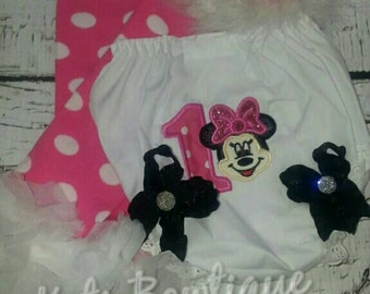 Mini mouse Birthday hat, diaper cover and leg warmers.