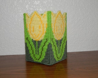 Plastic Canvas Yellow Tulip Desk Organizer