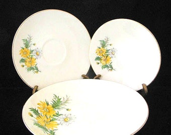Knowles China Yellow and White Daisies 13 Piece Set Bowls and Saucers Mid Century Dinnerware Vintage 1940s SET of 13