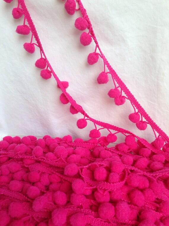 Festliche deko pompon zuschneiden 2 cm breit von sewmakemeuk for Spiegel zuschneiden