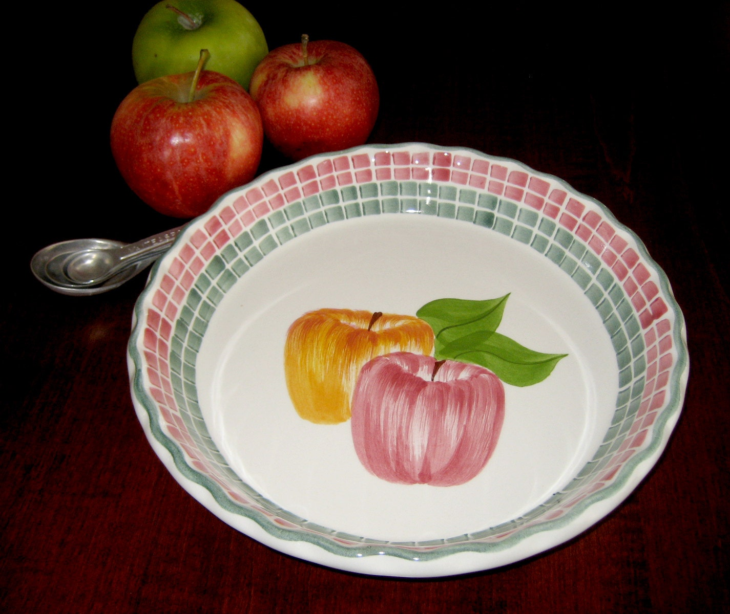 Apple Pie Plate Artist Signed By Laurie Gates Laurie Gates Los