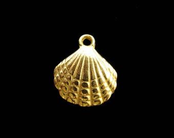 SALE Gold Vermeil Sea Shell Charm 1 pc Large 21mm CH206