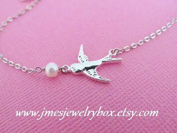 Silver bird bracelet with freshwater pearl (Adjustable)