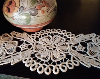 "Crocheted Doily, Romanian Point Lace Style Crochet Doily, Beige, Floral Pattern, 13"" x 6""  #17"