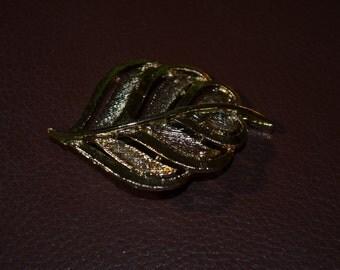 ON SALE   Vintage Stylized Costume Leaf Pin