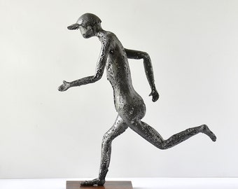 Metal art sculpture - running man - Metal wire mesh Sculpture -  running art - Contemporary art - Male Figurine