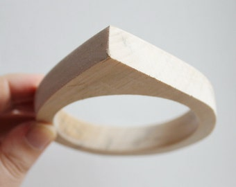 15 mm Wooden bangle unfinished round with one corner - natural eco friendly PE15