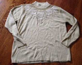 Vintage 90's tan mock neck grandma sweater with lace applique size M