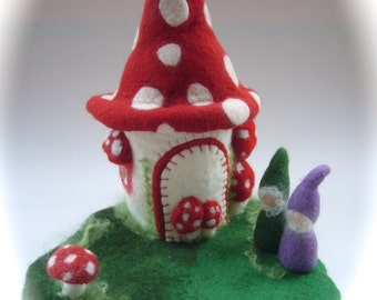 Toadstool-house. Hand Felted. Waldorf  . Wet Felted.