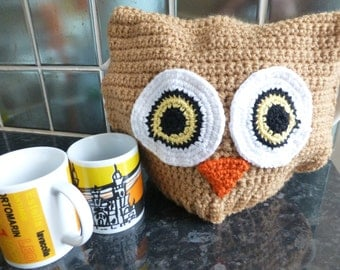 Crocheted quirky little owl tea cosy