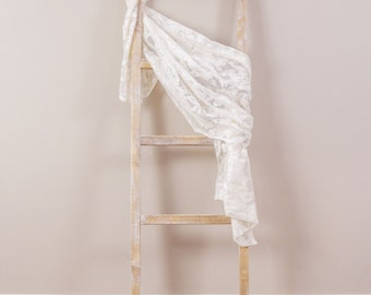 Distressed Whitewashed Blanket or Accessories Ladder